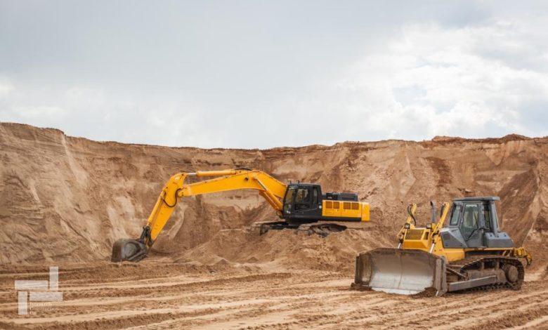 اولین مراحل عملیات عمرانی شامل خاکبرداری و گودبرداری