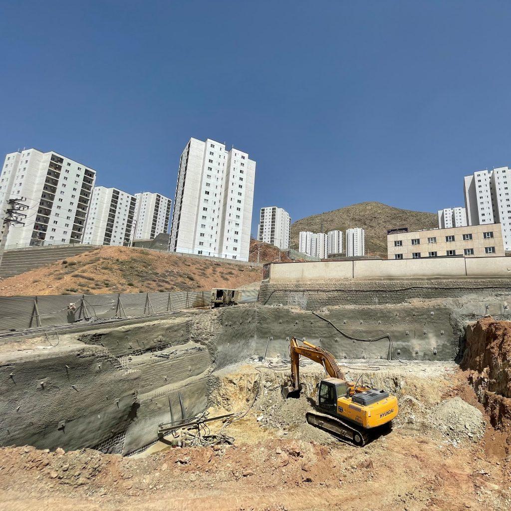پروژه تجاری 103 شهر پردیس - شرکت عمرانی مهندسی ایستاسازه